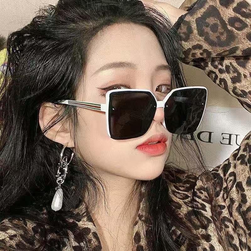 Gafas de sol cuadradas Mujeres Vintage Gafas de gran tamaño Hombres Lentes blancas Lentes Verdes Party Outdoor Party New Trends 2021 Brand Designer