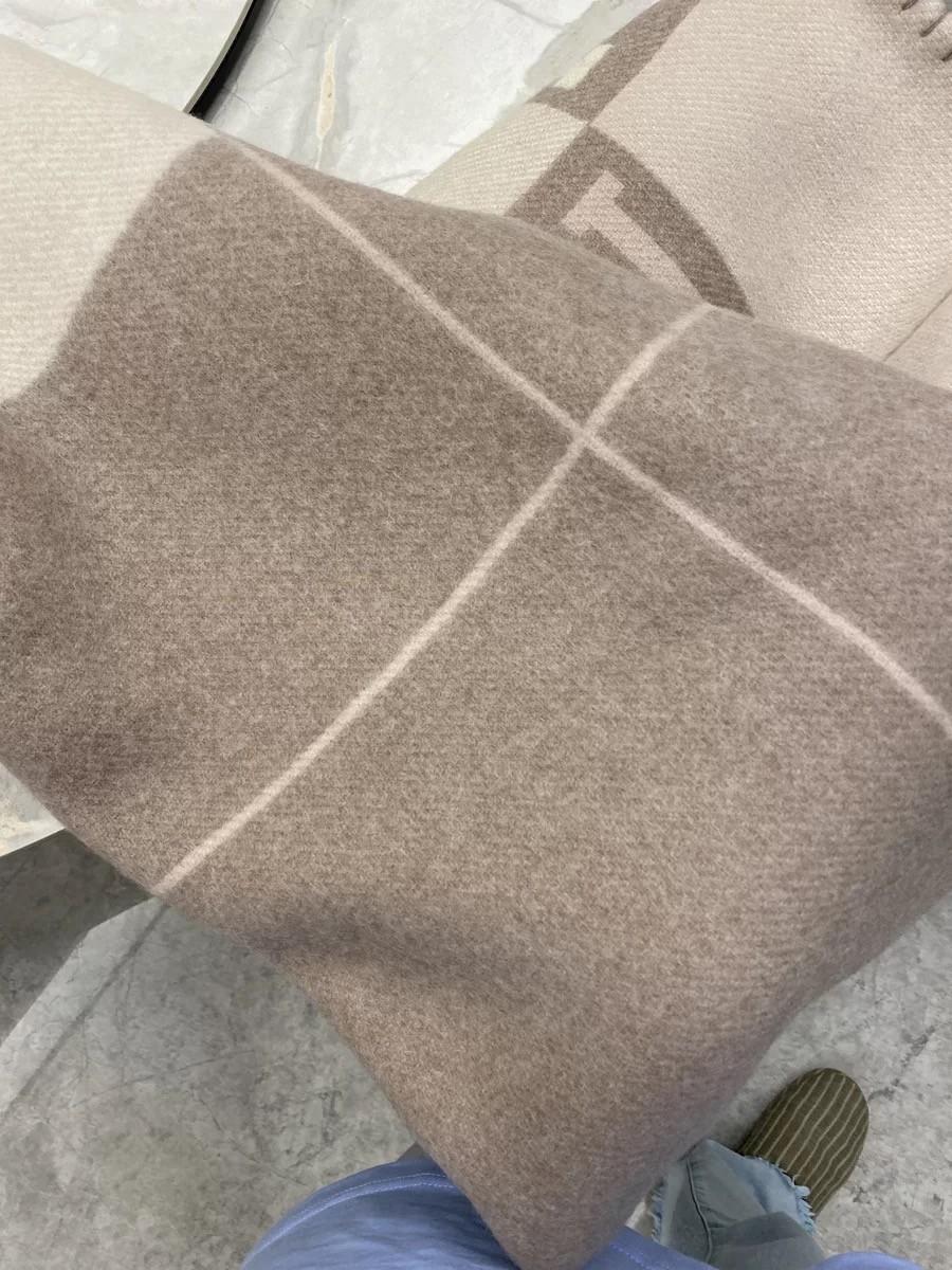 Толстый домашний диван хороший квадратный одеял Топ продажа бежевый оранжевый черный красный серый военно-морской флот большой размер 145 * 175см шерсть