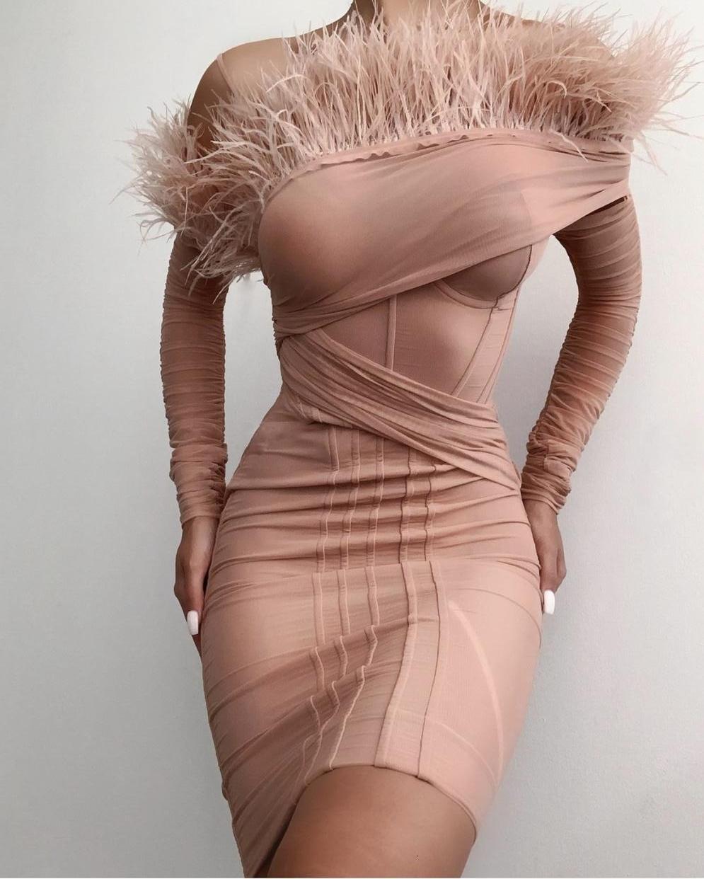 Seksi Kadın Tasarımcı Pembe Tüy Bandaj Kış 2021 Zarif Bayanlar Omuz Bodycon Elbise Parti 4x97