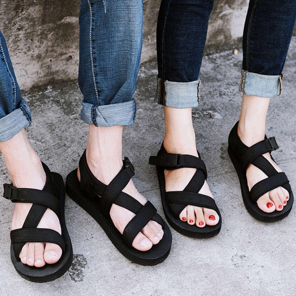2020 Vietnam Terlik erkek Yaz Kore Moda Bir Hattı Sürükle ve Bırak Antiskid Plaj Ayakkabıları Giymek Çift Sandalet Erkekler