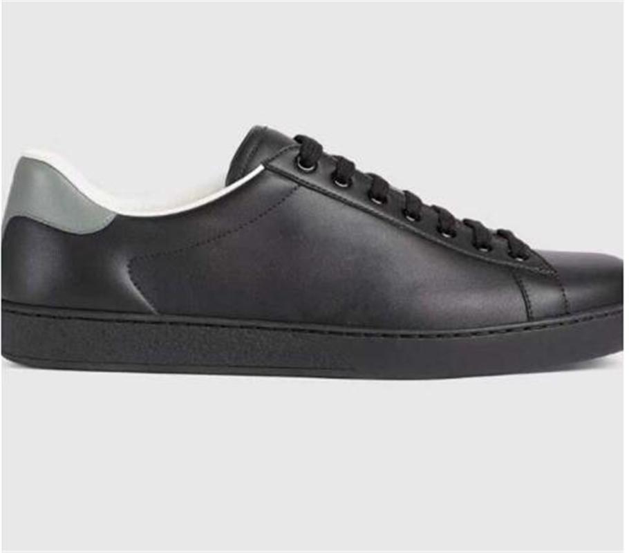 الأحذية اليومية uaual عارضة 2021 تستخدم إلى حد كبير بشكل كبير بين عامة الجودة المعترف بها على نطاق واسع تصميم ناعما مع المربع الأصلي
