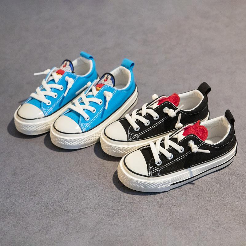 Детская обувь для мальчиков и девочек и девочек 2021 Весна и осень Новый одноступенчатый детский холст обувь Мягкая подошва обувь прилив детей