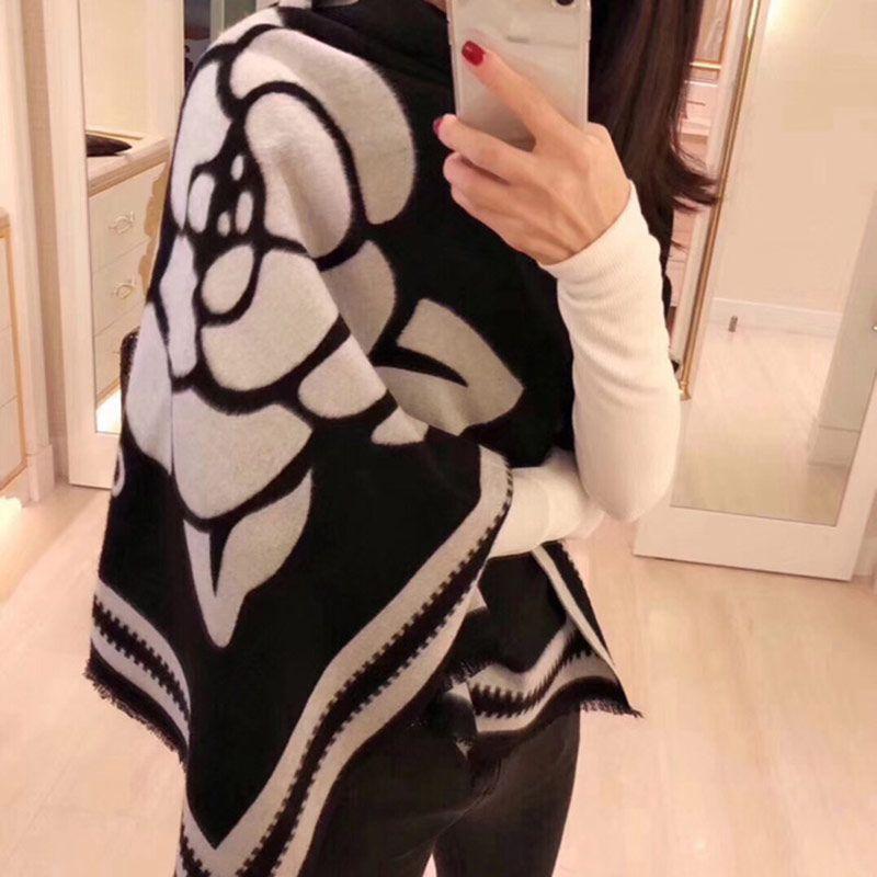 Moda Autunno e Inverno 100% Cashmere C Sciarpe Designer Alta Quatity Tenere caldi sciarpe a testa di risvolto per le donne sciarpa di lusso sciarpa a plaid hijab scialle