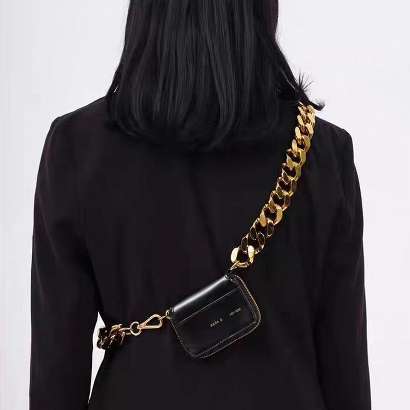 Kara Designers Femmes 2021 Nouveau Métal épais Sac à chaîne épais Noir Vélo Noir Portefeuille Sacs à main Mini petits sacs à la poitrine Coin Purse ins