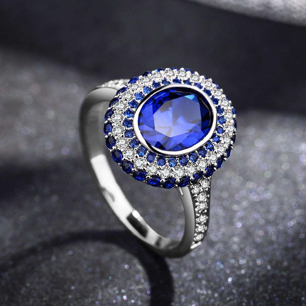 Anneau avec diamant et émeraude