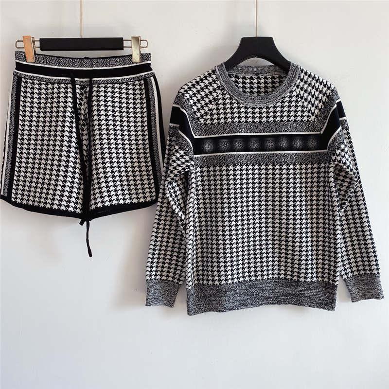 21ss 여성 두 조각 두 조각 세트 믹스 컬러 스웨터 세트 레이디 스타일 니트 스웨터 + 반바지 편지 자수 캐주얼 스웨터 크기 S-L