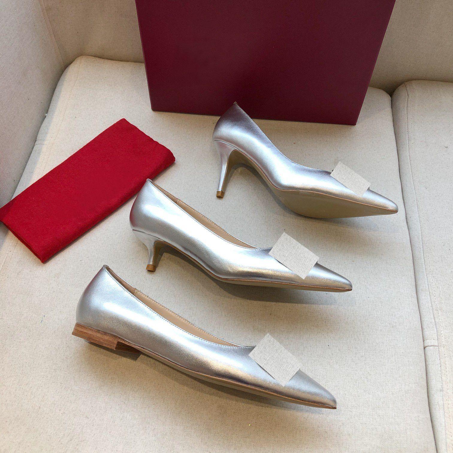 Yüksek Kaliteli Bayan Moda Bahar Ve Yaz Yeni Orta Topuk Düz Topuk Baotou Sivri Metal Toka Deri Tek Ayakkabı Örgün Ayakkabı