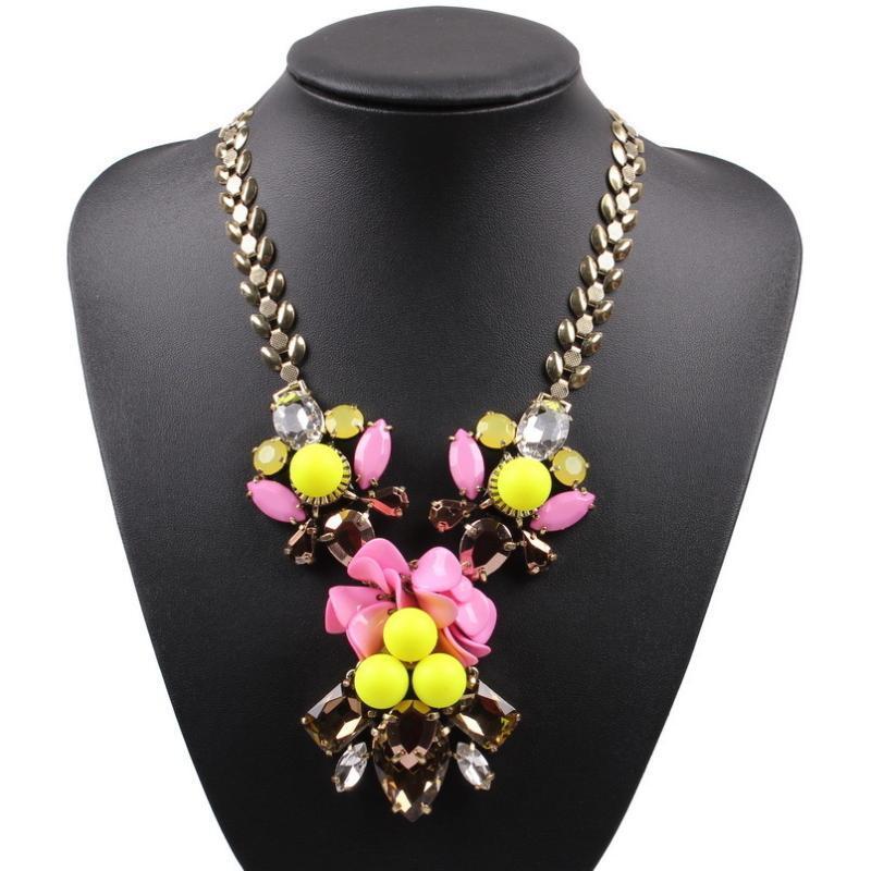 Anhänger Halsketten 2021 Ankunft Mode Marke Kristall Halskette Für Frauen Perle Ball Blume geformte Partei Schmuck Zubehör