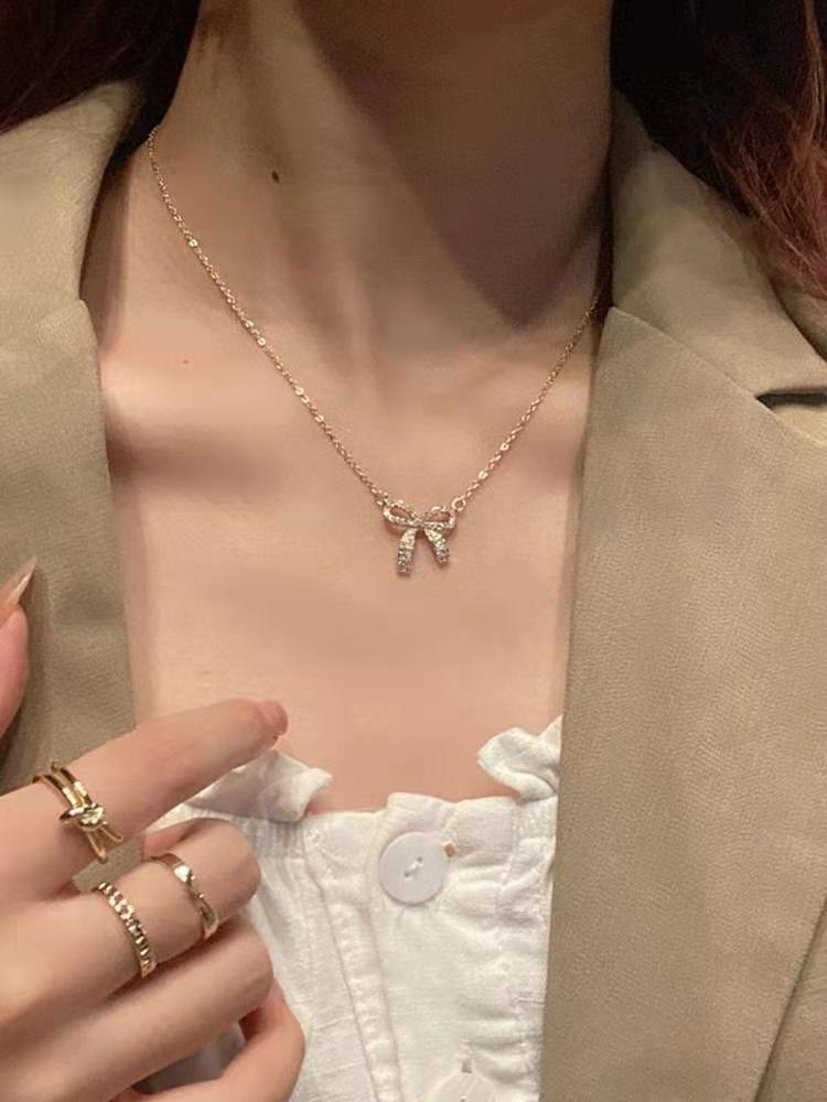 Flash Advanced Butterfly Halskette Ins Wind Niche Design kalte Persönlichkeit Einfache Joker Trend Collarbone Kette [Öffnen des Ladens]