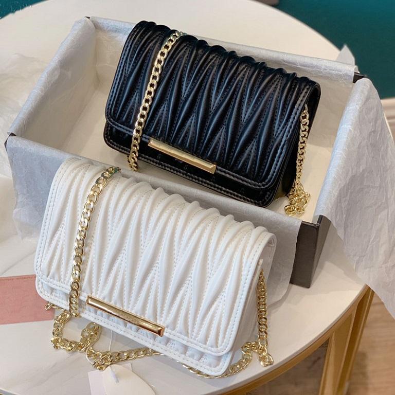 2021 Yeni Mizaç Siyah Crossbody Çanta Omuz Çantası Yüksek Kalite Hakiki Gerçek Deri Çanta Katlanmış Moda Kadınlar Zincir Çanta 20 * 14 cm