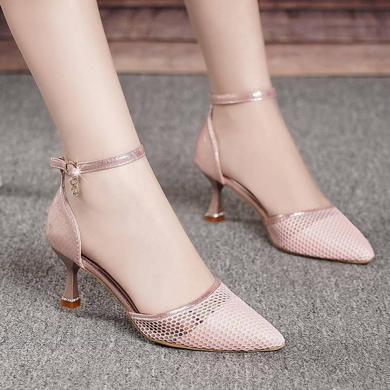 2021 Yaz Kadın Sandalet Sivri Burun Pompası Ayak Bileği Kayışı Elbise Ayakkabı Sandal Yüksek Topuklu Mujer Stilettos Oymak 9045N