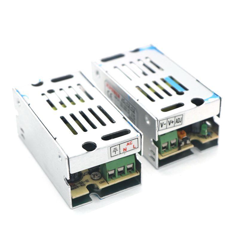 DC12V 1A 12W Schalttreibertransformator für 5050 3528 LED-Streifen-Lichtanzeige LCD-Monitor CCTV