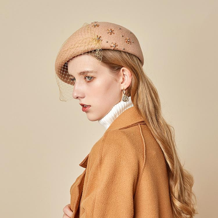 Stingy Breim Hats Французская шерсть белый черный берет для женщин мода зимние войлочные колпачки перо берцы Femme стюардесса шляпа Федорас