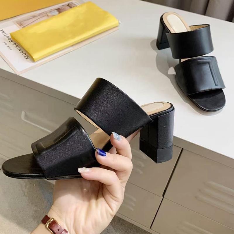 Kadın Tasarımcı Çift Kayış Sandalet Yüksek Topuklu Slaytlar Kabartmalı Yazı Katır Ayakkabı Bayanlar Yaz Seksi Sandalet Yüksek Kalite NO272