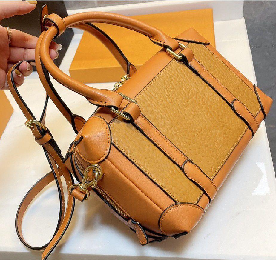 Moda Donne Borsa Designer Lettera Stampa Stile Stampa Pillow Bag di alta qualità Tide Lady Straddle Una spalla Dinner Borse WF2103162