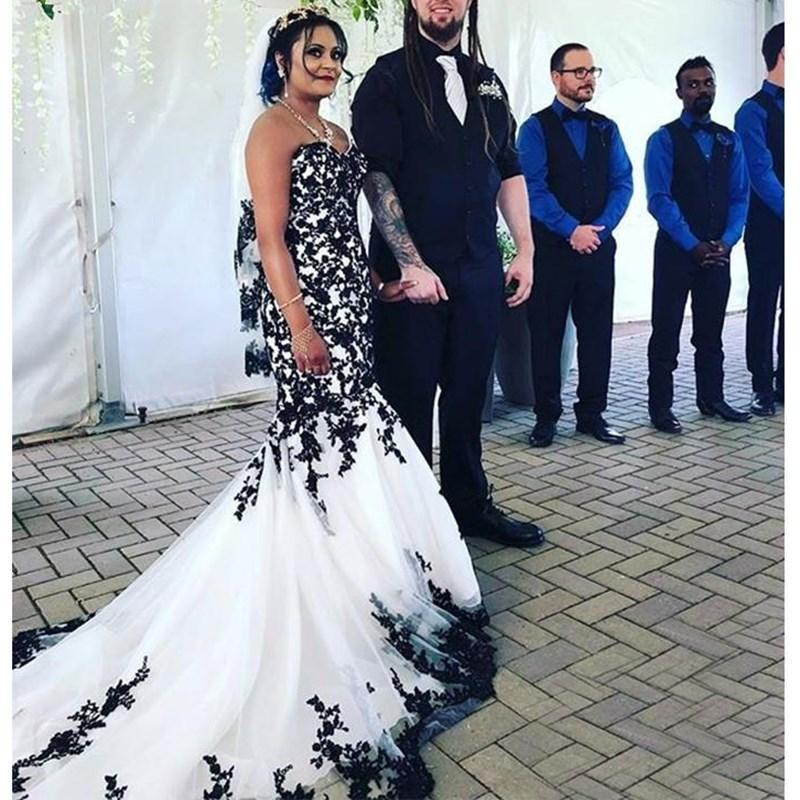 Classical Black Lace Applique Sweetheart Wedding Dresses 2021 Zipper Back Long Sweep Tulle Bride Wedding Gowns