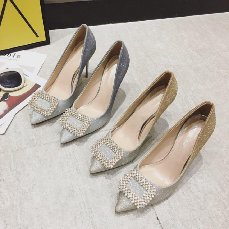 2021 Nuevo diseñador de alta calidad Micro-gradual color taladro de agua hebilla de nieve tacones altos tacones fino con la boca poco profunda zapatos de boda zapatos