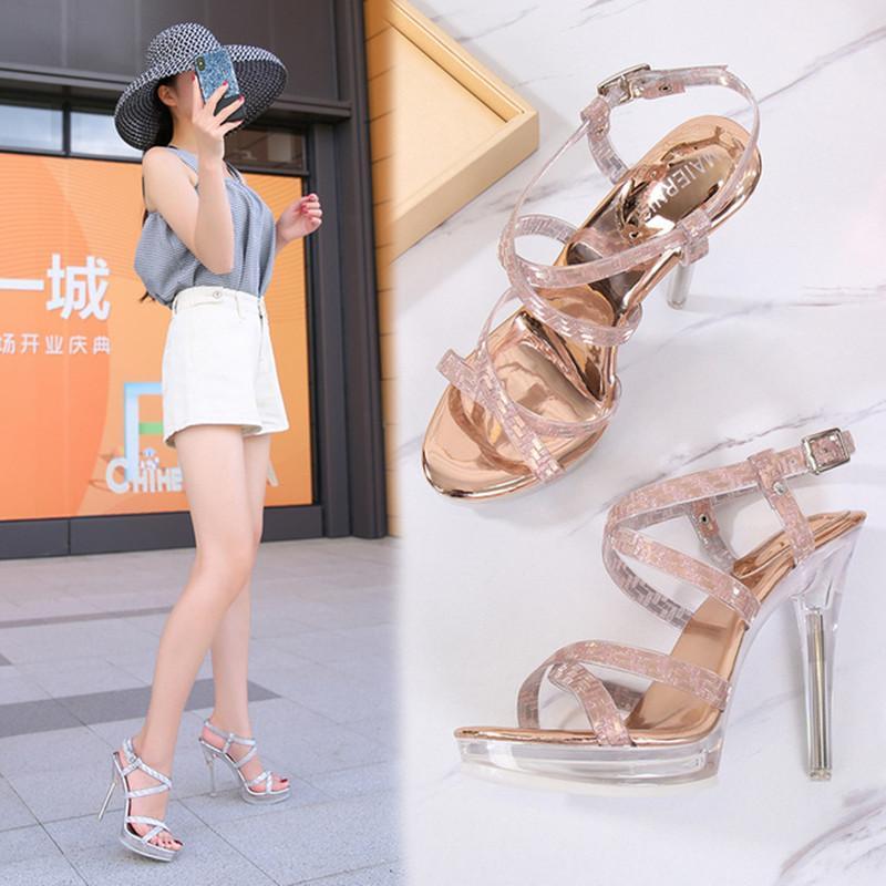 Sapatos das Mulheres de Verão Moda Sandálias Femininas Transparentes Saltos de Cristal Grésos Saltos Sexy Cut-outs Aberto Toe Bombas Jelly Sapatos
