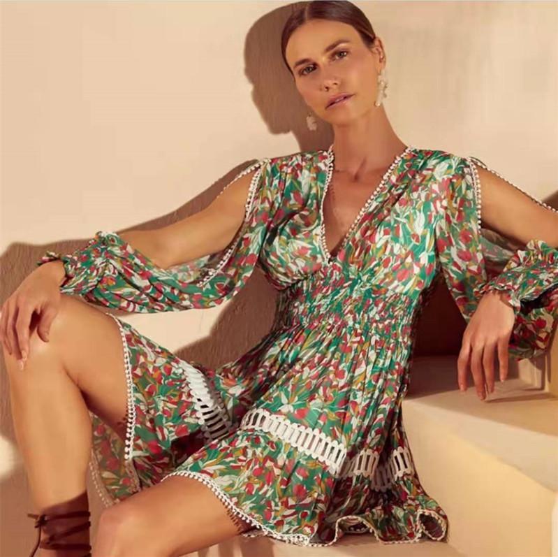 Marca de moda 2021 primavera e verão sexy v-pescoço lanterna manga oco plissado laço retalhos vestido impresso