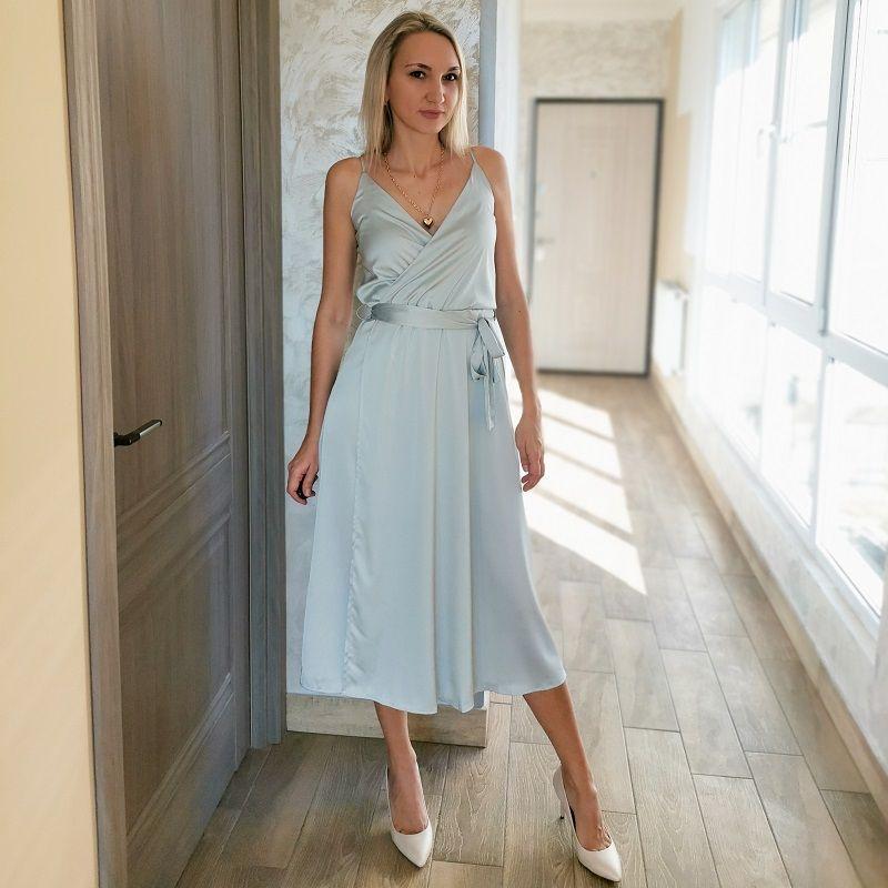 Женщины Спагетти Ремешок Sashes MIDI Платья Сексуальное Глубокое V-Выревное Платье без рукавов Новая Мода Винтаж Сплошной Цвет Элегантное платье