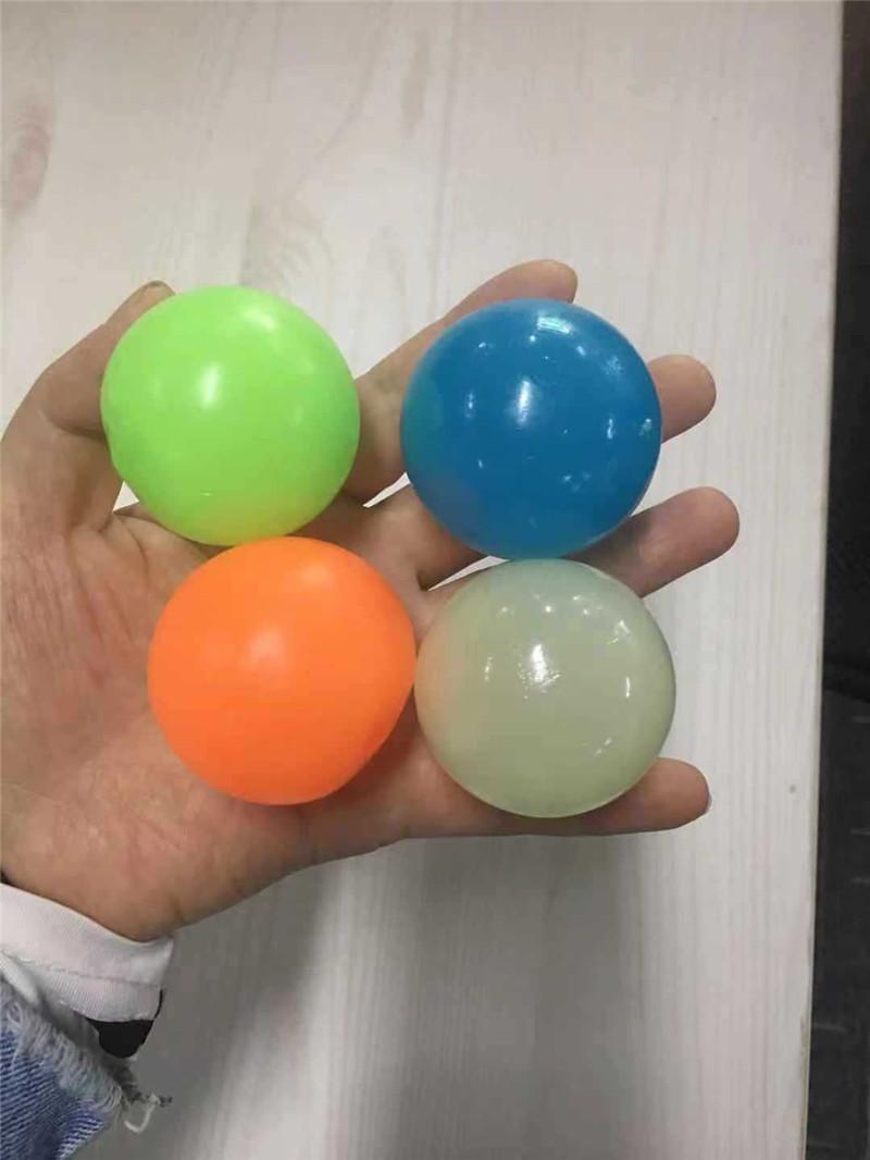 2021 потолочные шары люминесцентное стресс рельеф липкий шар светящиеся придерживаться стены и упасть медленно душистые свечение игрушки для детей взрослых