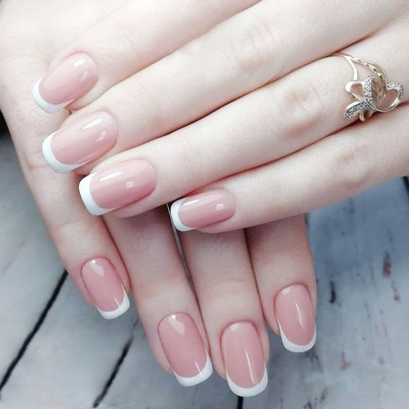 Faux Nails 24pcs Simple French Nu Rose Mariée Mariage Femmes Fake Couverture complète manucure artificielle Tins de décoration