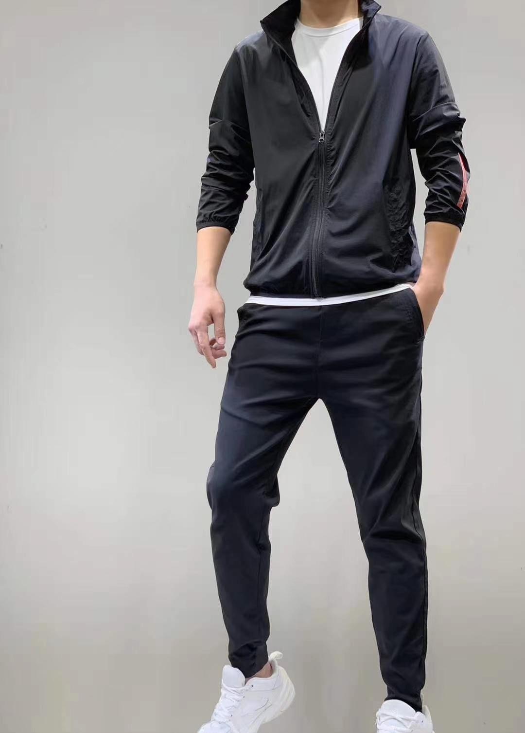 Avrupa ve Amerikan Yeni 2021 Erkek Kapşonlu Ince Rahat Klasik Elastik Kumaş İnce Konforlu İşçilik Güzel Güneş Kremi Rüzgar Geçirmez Ceket