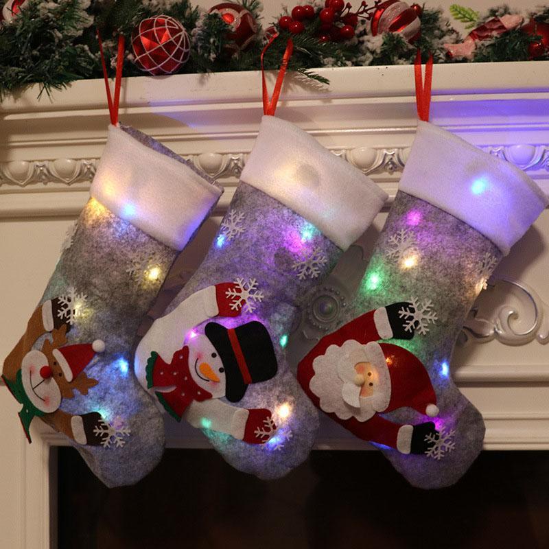 2021 حقيبة هدية عيد الميلاد مضيئة رمادية مع أضواء عشية عيد الميلاد الديكور الداخلي قلادة