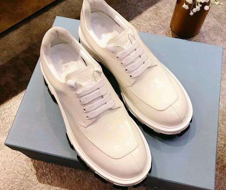 Classico europeo 2021 scarpe da donna aumentano 6 cm tendenza testa rotonda martin scarpe borse decorazione moto scarpe da caviglia scarpe in pelle stivali sexy