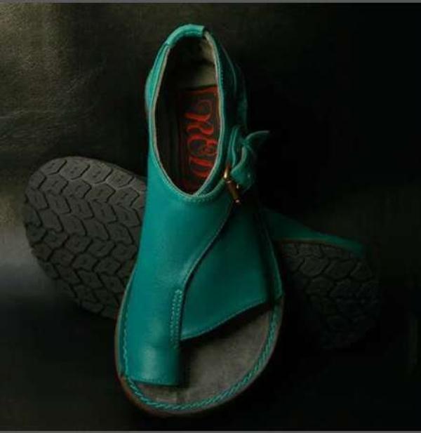 Sandale féminine 2021 Chaussures pour femmes Femmes Summer Grand Taille Filles Nouveau Fermé Confort Fashion Fashion Beige Boucle en caoutchouc Big Fretwork