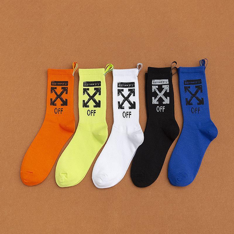 Neue Socken im Herbst und Winter Off Street Mode Marke Damen Socken Tuch Mark Marke Reflektierende Gabel Mittelrohr Socken Persönlichkeit Mode