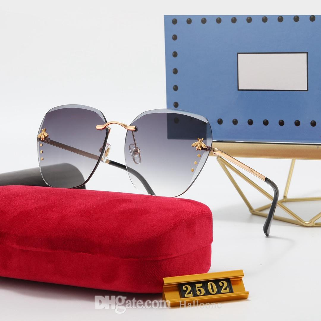 Klasik 2502 Tasarımcı Güneş Erkek Kadın Lüks Gözlük Açık Shades Metal Çerçeve Moda Bayan Güneş Gözlükleri Kadınlar için Aynalar
