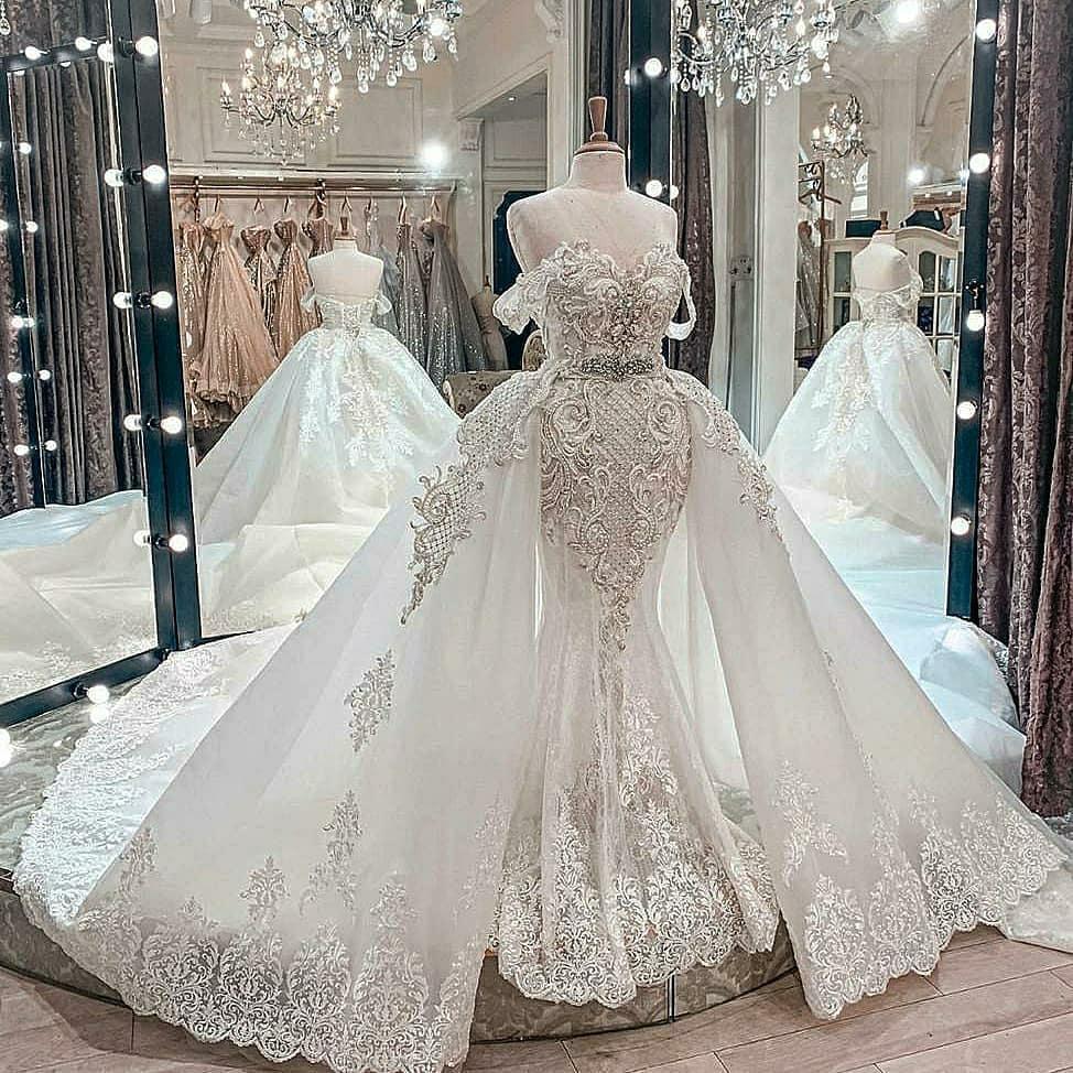 Wunderschöne Perlen Meerjungfrau Spitze Brautkleider mit abnehmbarer Zug von den Schulterhals-Brautkleider Tüll Pailletten Robe de Mariée