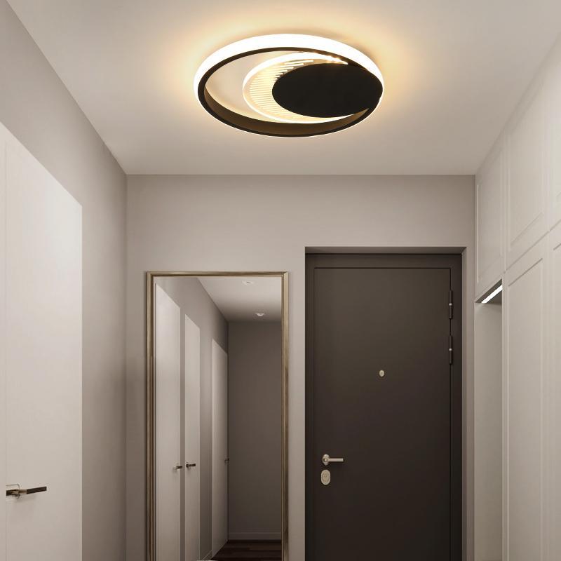 Современные светодиодные потолочные светильники для светодиодов Домой Светодиодная поверхность, установленная для спальни Блестящий черный металлический коридор Балкон Внутреннее освещение R133