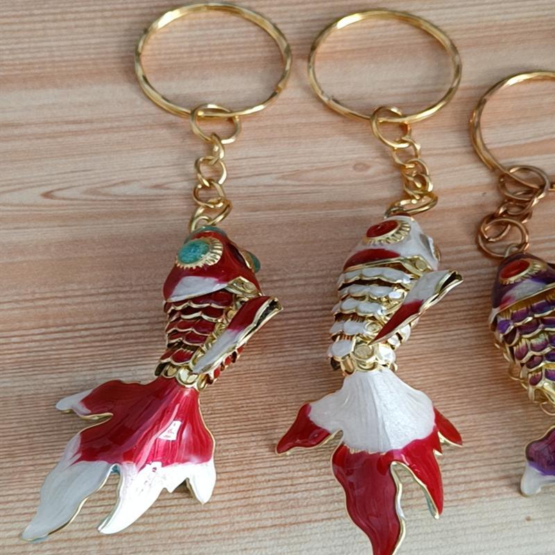 5 pz 5.5 cm Vivid Sway Cute Goldfish Catena portachiavi Portachiavi Anello per il pesce smalto Charms per portachiavi per le donne Regali per bambini Fancy Animal Portachiavi all'ingrosso