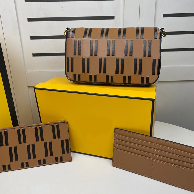 Sacs d'enveloppe Sacs Messenger Sac à bandoulière Chaîne Sac à bandoulière de haute qualité Imprimé à pleine lettre détachable cuir véritable en cuir trois pièces Matériel