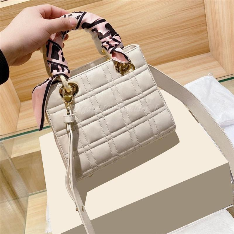 2021 Women Luxurys Shoulder Bags Famous Designers Diamond Lattice Handbag Crossbody Lady Tote Flap Messenger Bag Purse Handbags Backpack Totes Purses Wallet