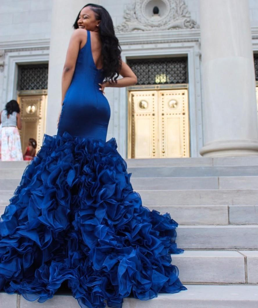 2021 New Royal Blue Prom Evening Gowns Sexy Deep v Neck Sleeveless Mermaid Ruffles Organza Skirt Formal Party Es Bwv6