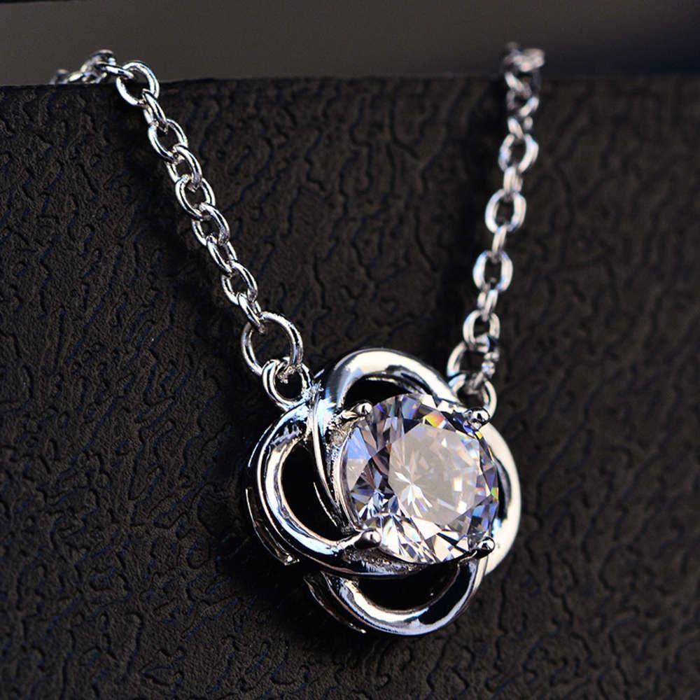 Pendentif en forme de fleur de trèfle HBP incrusté de fleur en forme de fleur avec collier de zircon 925 argent sterling