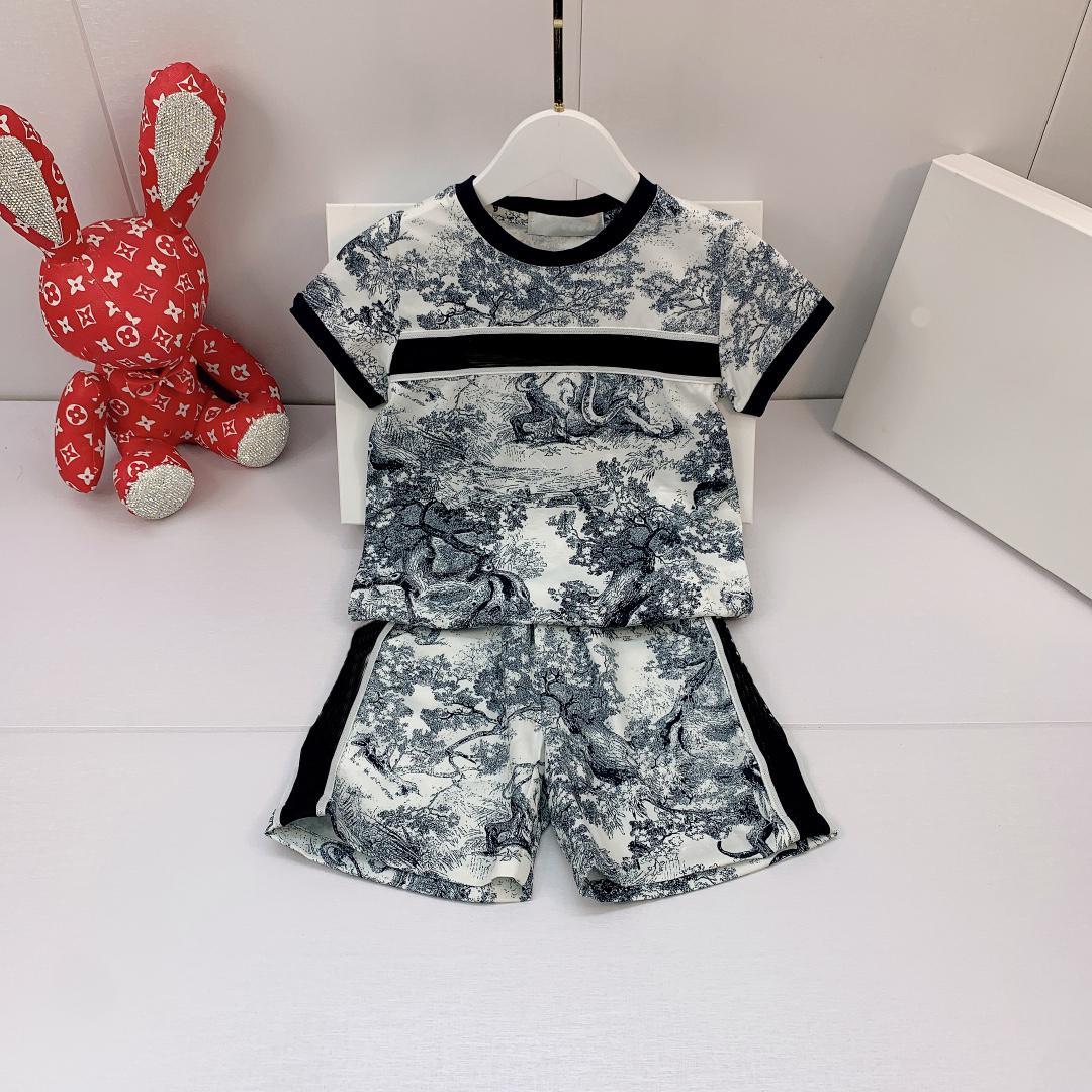 مصمم الاطفال قصيرة الأكمام تي شيرت + السراويل التعادل صباغة مجموعات الأطفال دعوى ماركة الفتيات ملابس القطن الوردي المحملات الحجم 100-150