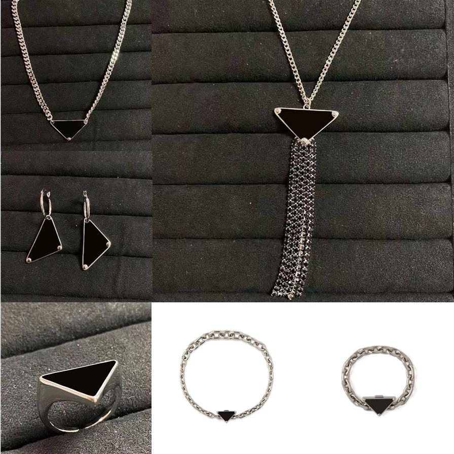 Bracelets colliers bijoux costumes bracelet de mode collier boucles d'oreilles bague costume homme femme unisexe chaîne haute qualité 6 style ophional