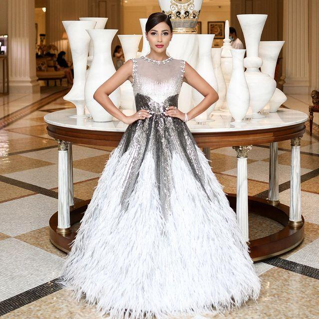 2021 Plus Size Arabic Aso Ebi Luxurious Beaded Crystals Prom Dresses Sheer Neck Feather Evening Formal Party Second Reception Gowns Dress ZJ607