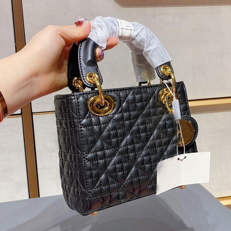 Diseñadores de lujo Bolsas de hombro de alta calidad Mini diseñador CROSS CRUZ CUERCO Dorado y plata Logo Bolso Boutique Mujeres Messenger Bag Clutch # 32