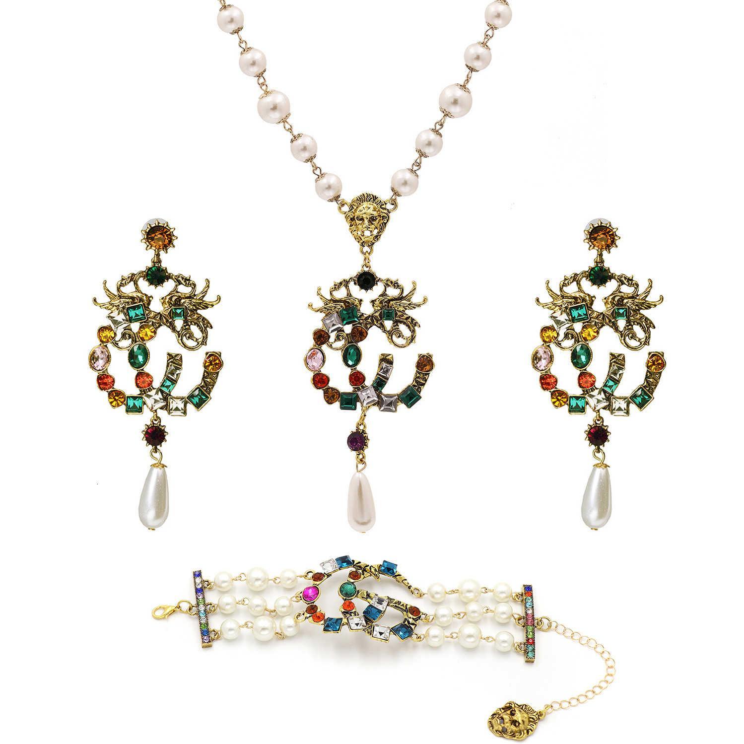 10401 Nuevo estilo G feminidad hembra exageración collar de bronce pulsera pendiente conjunto