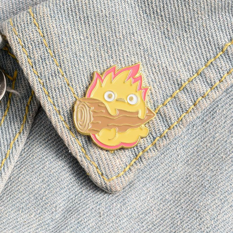 Jewelry Brooch pin for women men brooches pins Calcifer Enamel Custom Japanese Anime Fire Elf Badge Bag Lapel Buckle Howl Gift Friends party Valentine's Day