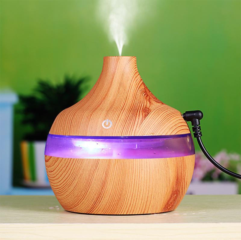 Diffuseur d'huile essentielle de 300 ml humidificateur ultrasonique Usb électrique de grains de bois de bois de grains de bois de grains de bois d'air avec des purificateurs d'air avec une lumière de couleur de 7 LED