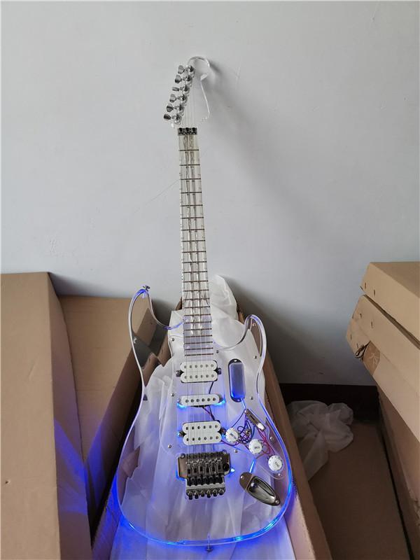 In magazzino ora la chitarra elettrica del corpo acrilico del plexiglass leggero a LED con i pickup HSH, può essere personalizzato