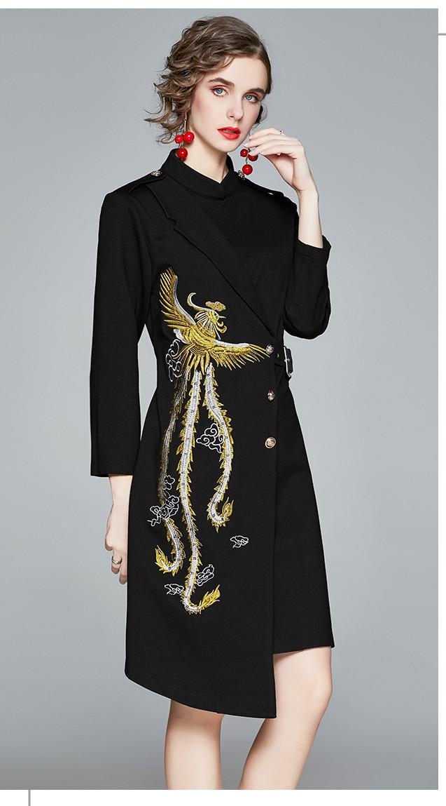 2021 Nero New Street Style Dress Primavera in anticipo Collare in stand-up a maniche lunghe Retro Phoenix Ricamo Gonna irregolare