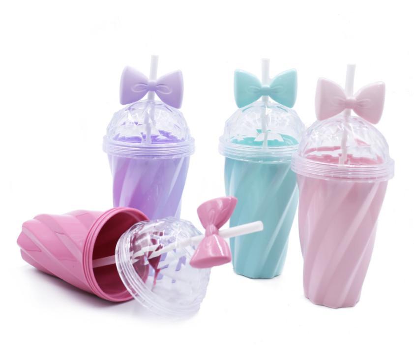 La dernière tasse de paille de café au lait de 13oz, une variété de tasses de styles avec une torsion de bonbons à nœud papillon, support pour le logo personnalisé