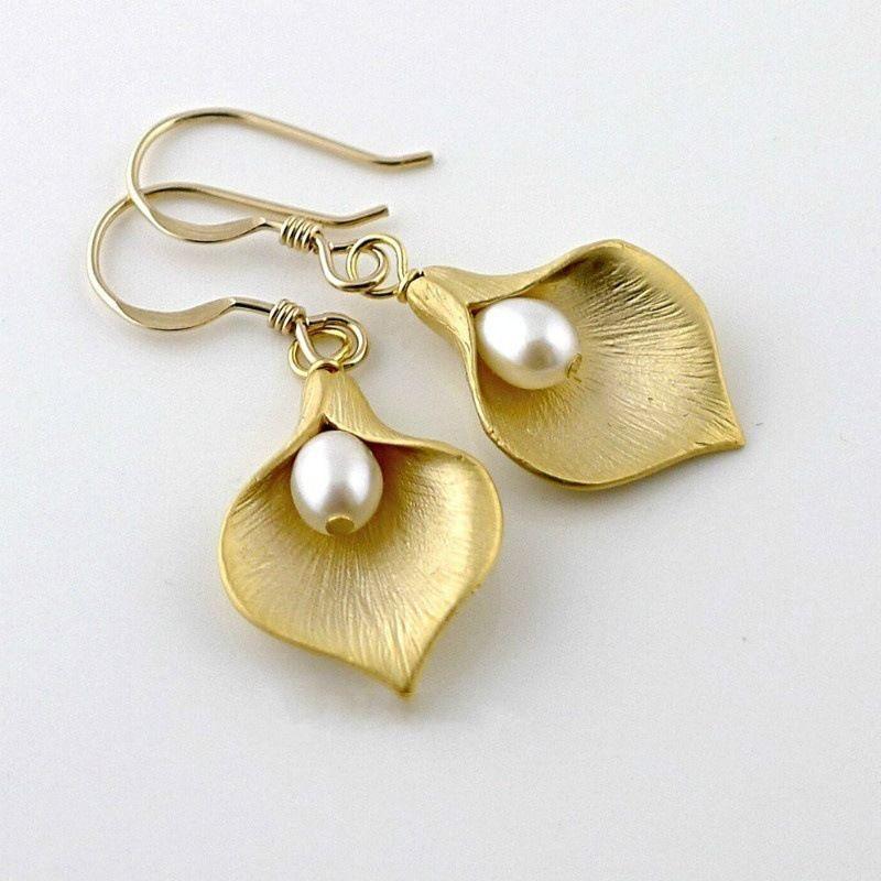 10Pair /lots sale Flowers pearl Earrings European and American fashion ladies petal earrings silver & gold R-36